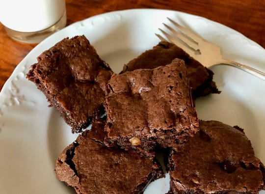 Author RD Vincent shares his mother's recipe for Lunchbox brownies.