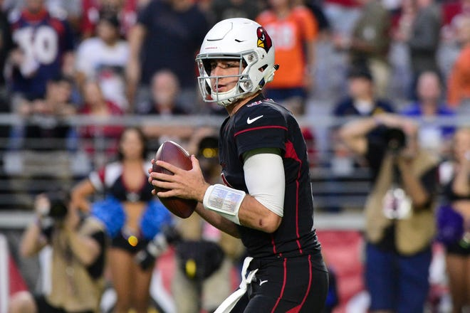Cardinals quarterback Josh Rosen suffered a sprained toe in Week 7, but has returned to practice in full.
