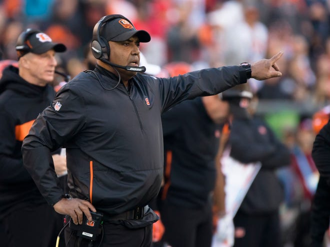 Cincinnati Bengals head coach Marvin Lewis coaches during a Week 8 NFL game between the Cincinnati Bengals and the Tampa Bay Buccaneers, Sunday, Oct. 28, 2018, at Paul Brown Stadium in Cincinnati.
