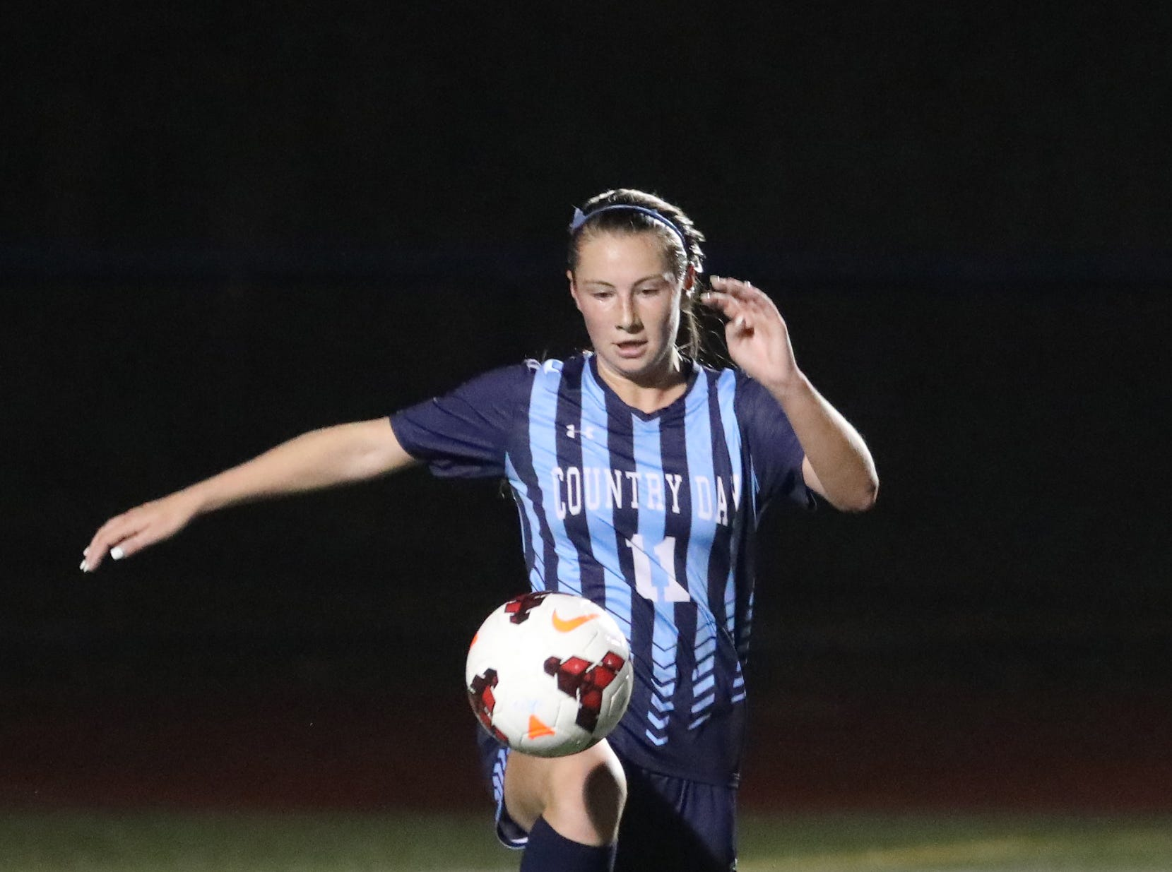 Cincinnati Country Day player  Jenna Setters during their tournament game, Saturday, Oct. 27,2018.