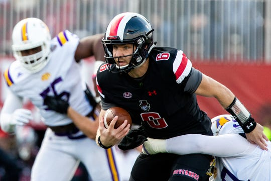 Austin Peay Governors quarterback Jeremiah Oatsvall (6) runs the ball during the first half at Fortera Stadium Saturday, Oct. 27, 2018, in Clarksville, Tenn.