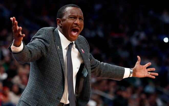 Detroit Pistons head coach Dwane Casey