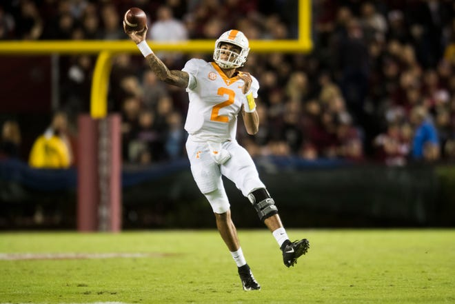 Tennessee quarterback Jarrett Guarantano (2) throws the ball during a game between Tennessee and South Carolina at Williams-Brice Stadium Saturday, Oct. 27, 2018.