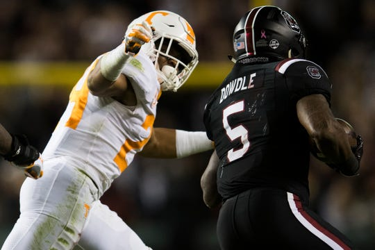 Tennessee defensive back Todd Kelly Jr. (24) defends against South Carolina running back Rico Dowdle (5) during a game between Tennessee and South Carolina at Williams-Brice Stadium in Columbia, South Carolina on Saturday, October 27, 2018.