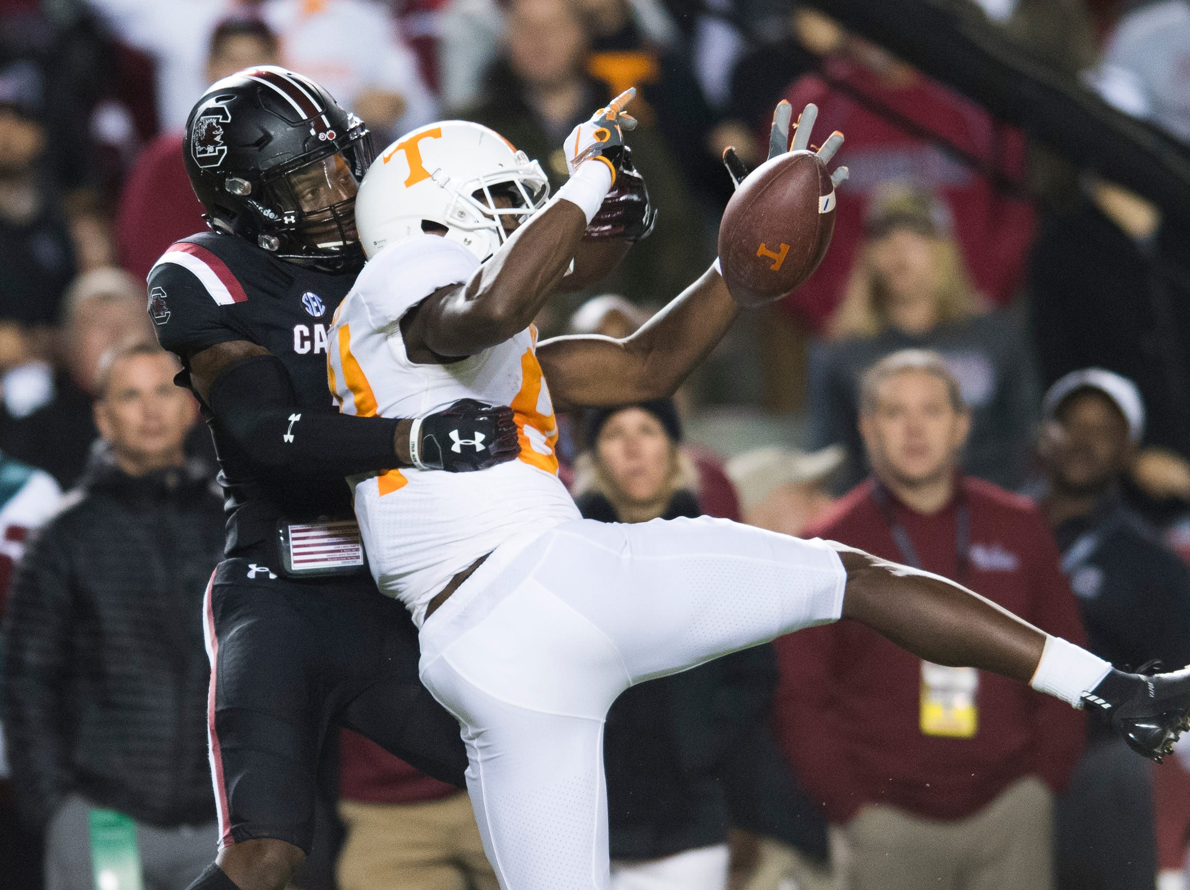 Tennessee wide receiver Josh Palmer (84) is denied the pass by South Carolina defensive back Jaycee Horn (7) during a game between Tennessee and South Carolina at Williams-Brice Stadium in Columbia, South Carolina on Saturday, October 27, 2018.