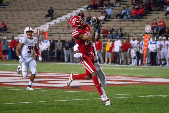 UL's Calif Gossett looks to catch a pass against Arkansas State last season.