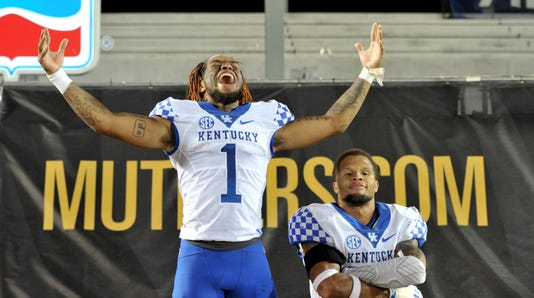 Ncaa Football Kentucky At Missouri