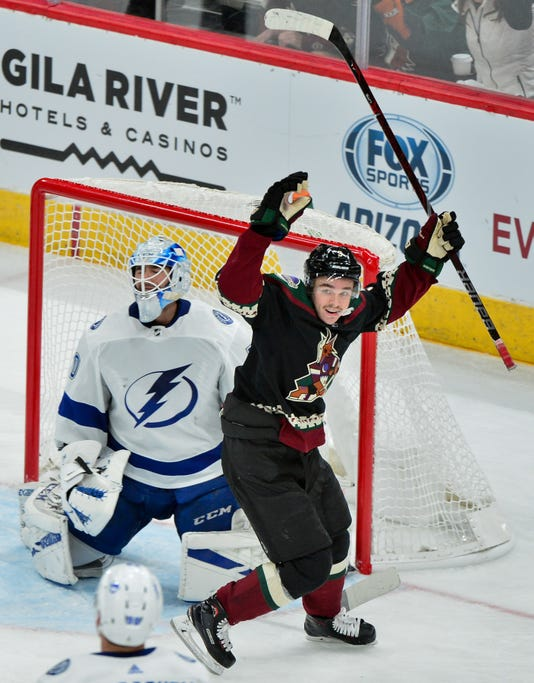 Nhl Tampa Bay Lightning At Arizona Coyotes