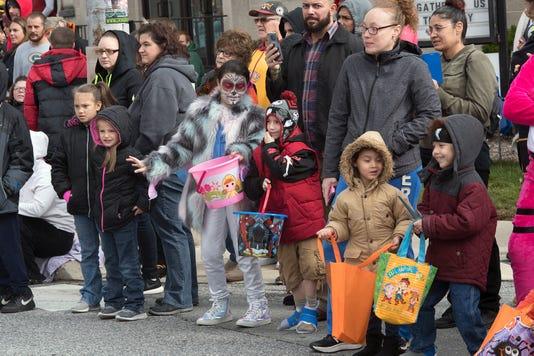 Ydr Sub 102810 Halloween Parade