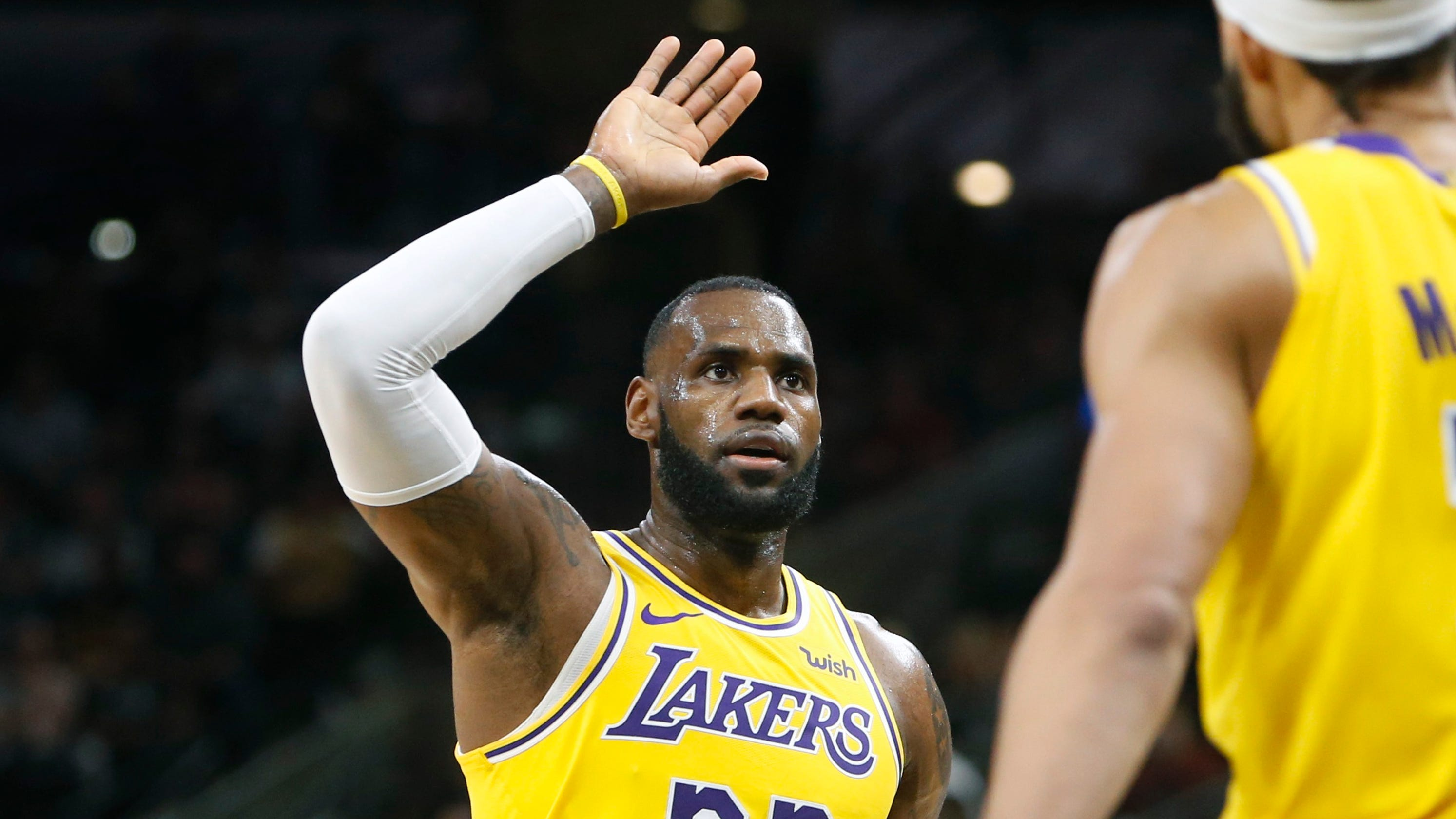 98bee224293 LeBron passes Dirk for sixth place on NBA all-time scoring list