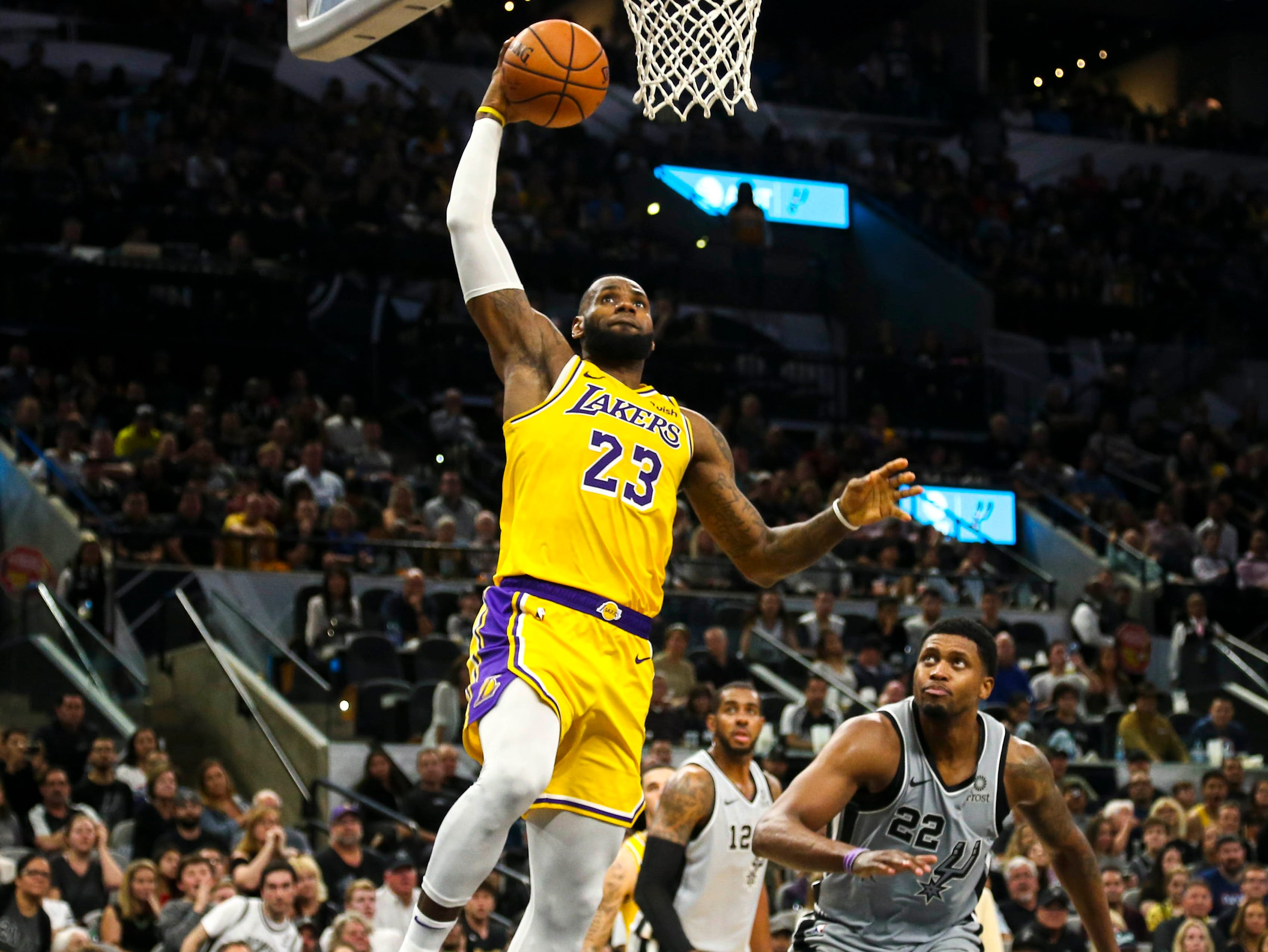 2018-10-27 LeBron James3