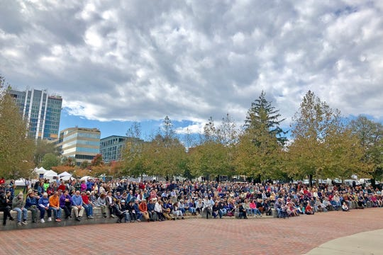 The crowd during a Sunday vigil for the victims of the Pittsburgh synagogue shooting.