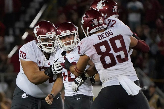 Kicker Blake Mazza (center) made the field goal that gave Washington State at win at Stanford on Saturday.