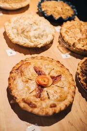 The winning novice pie by Wisconsinite Roxanne Doyle.