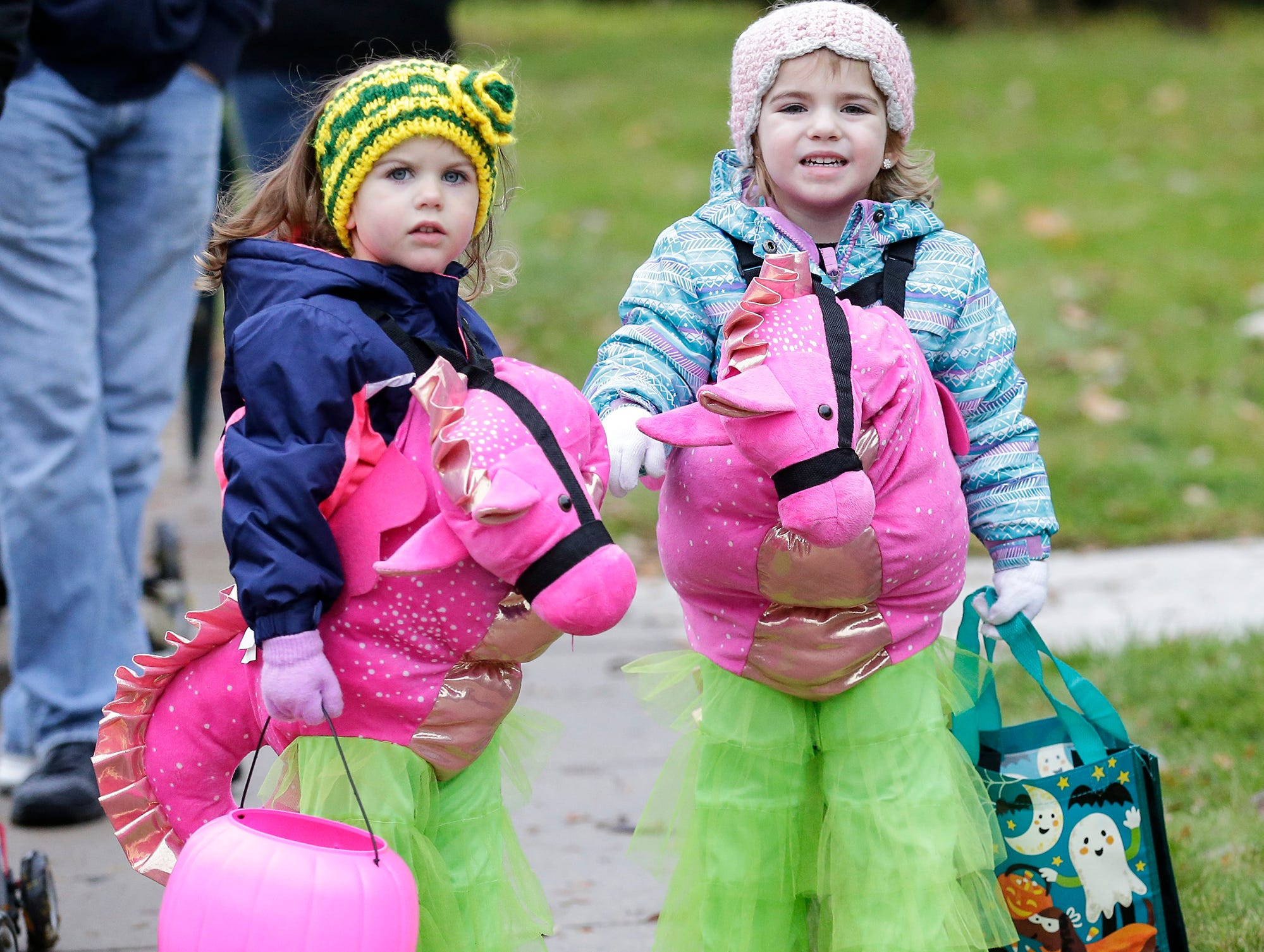 Cousins Olivis Weninger and Sydney Degroot of Fond du Lac were out trick or treating Sunday, October 28, 2018 in Fond du Lac, Wisconsin. Doug Raflik/USA TODAY NETWORK-Wisconsin