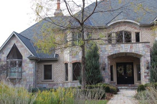 2080 W. Muirwood Drive, Green Bay Price: $2,450,000
