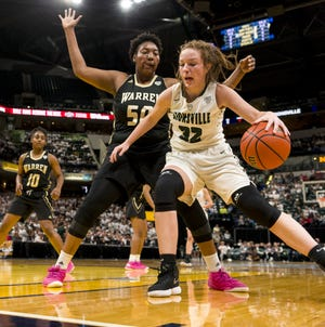 Katey Richason (32) and Zionsville played for the Class 4A state title last season.