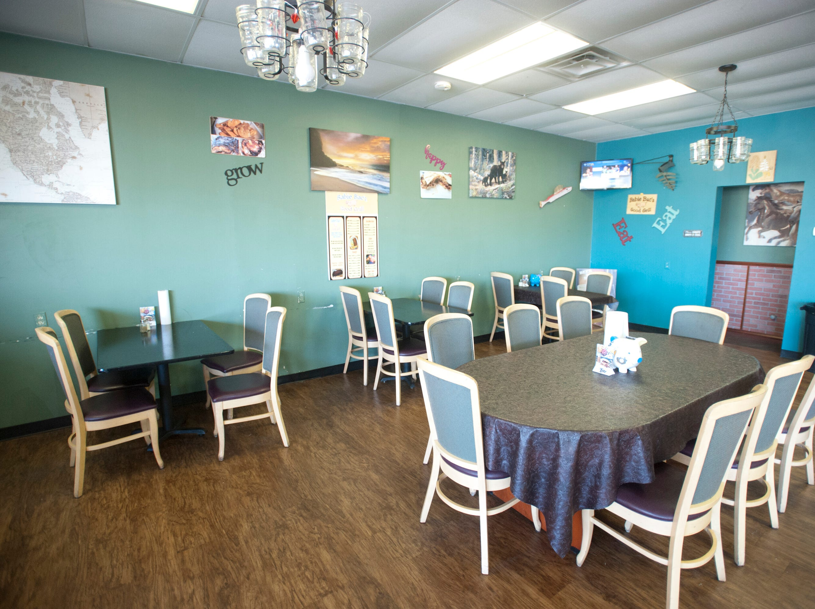 The dining room of Babie Bac'z Good Grill in the Westchester Center on Terry Road.October 24, 2018