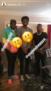 Memphis target James Wiseman poses with former Memphis Grizzlies player Zach Randolph and rapper Moneybagg Yo.