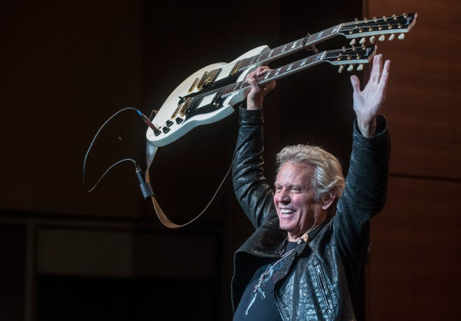 "Don Felder, formerly of the Eagles, is one of the stars playing the ""Rock to Remember"" virtual concert on Veterans Day, to benefit Milwaukee-based nonprofit Guitars For Vets."
