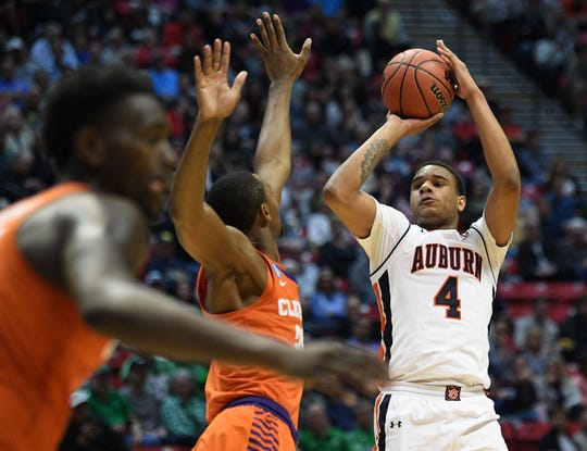 Auburn forward Chuma Okeke (4) shoots against Clemson during the the second round of the 2018 NCAA Tournament at Viejas Arena, on March 18, 2018, in San Diego, Calif.