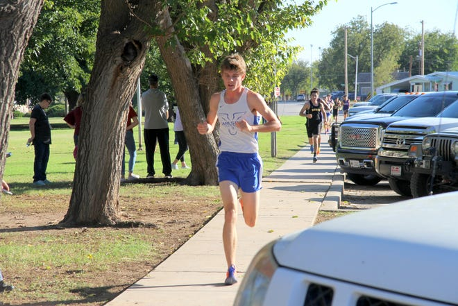 Kevin Calvani runs during Thursday's pre-district race near the Carlsbad Beach Water Park. He finished with a top-five time of 17:23.