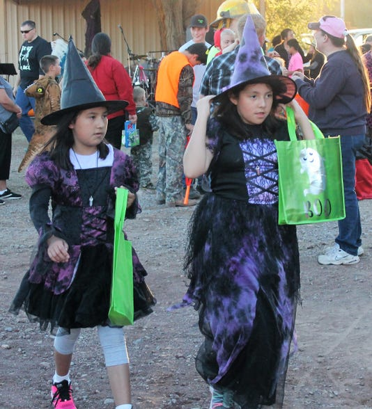 Halloween Off Granado Witches