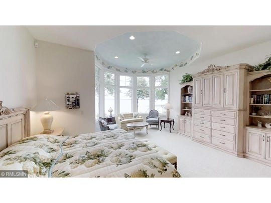 The second round turret space is a sitting area within the sprawling master suite – a haven of peace and tranquility.