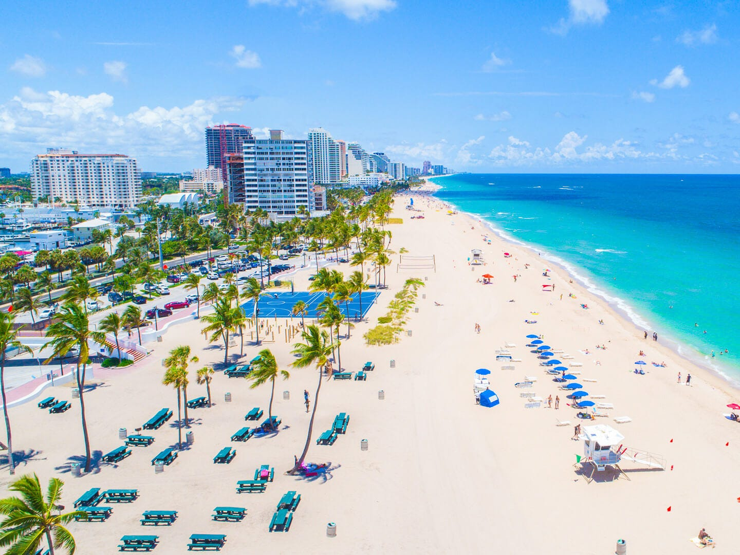 No. 6: Fort Lauderdale, Florida. Thanksgiving trip cost: $1,325. Christmas trip cost: $2,347.50. Fort Lauderdale hotels will really cost you during Christmas, with the second-highest average hotel cost of all the cities included in this study. Prices are not much better during Thanksgiving, when the Florida city has the fifth-highest average hotel cost.