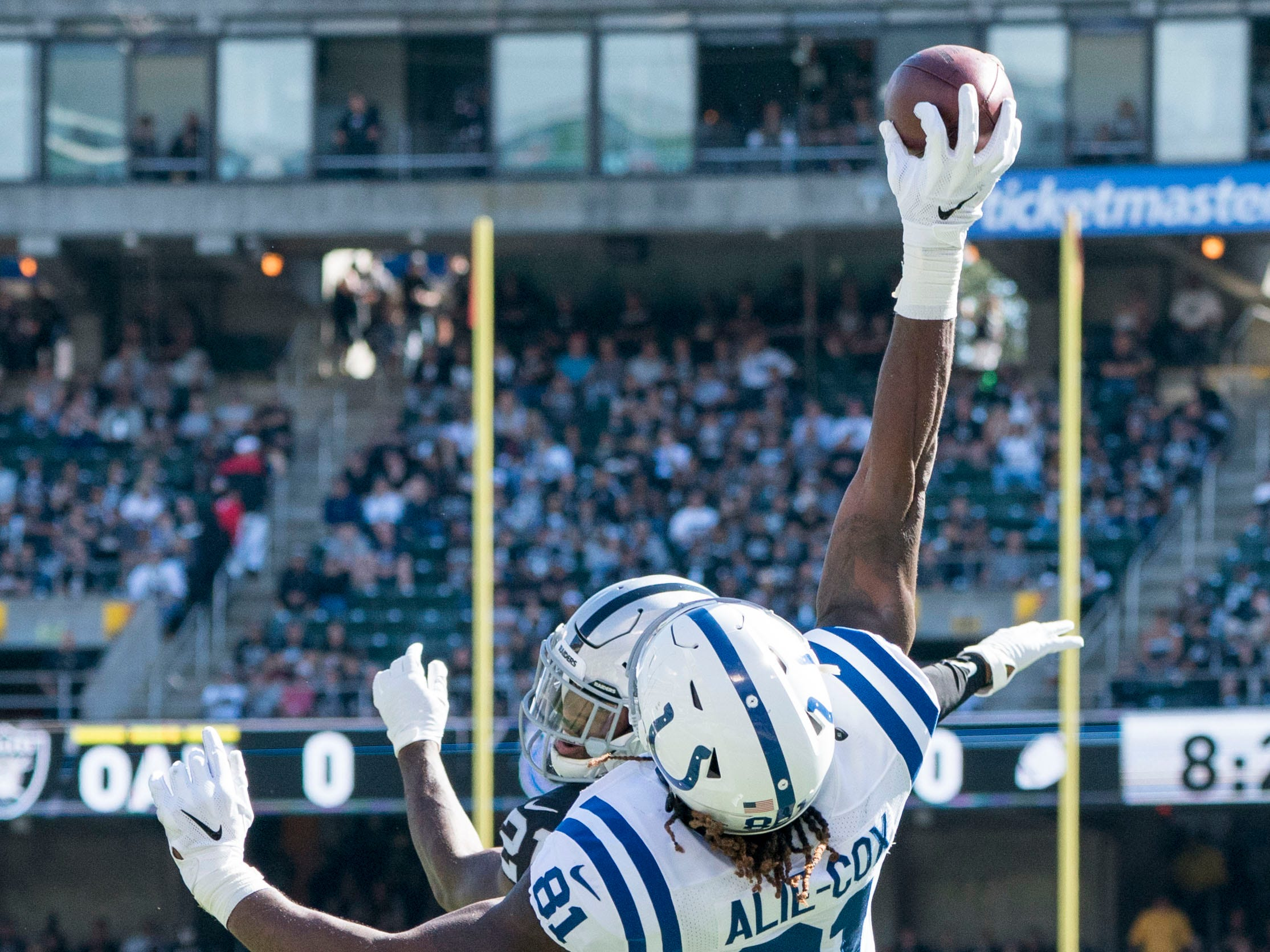 Week 8: Indianapolis Colts tight end Mo Alie-Cox catches a touchdown pass against the Oakland Raiders at Oakland Coliseum. The Colts won the game, 42-28.