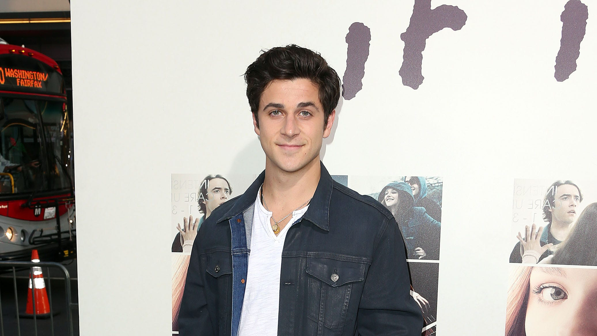 "HOLLYWOOD, CA - AUGUST 20: Actor David Henrie attends the Premiere of New Line Cinema's and Metro-Goldwyn-Mayer Pictures' ""If I Stay"" at the TCL Chinese Theatre on August 20, 2014 in Hollywood, California.  (Photo by Frederick M. Brown/Getty Images) ORG XMIT: 508118659 ORIG FILE ID: 453895010"