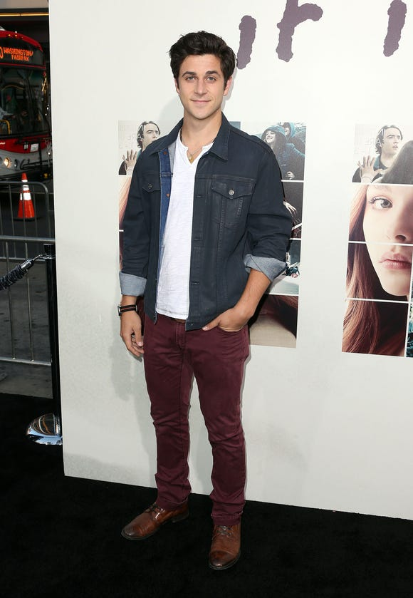 """HOLLYWOOD, CA - AUGUST 20: Actor David Henrie attends the Premiere of New Line Cinema's and Metro-Goldwyn-Mayer Pictures' """"If I Stay"""" at the TCL Chinese Theatre on August 20, 2014 in Hollywood, California.  (Photo by Frederick M. Brown/Getty Images) ORG XMIT: 508118659 ORIG FILE ID: 453895010"""