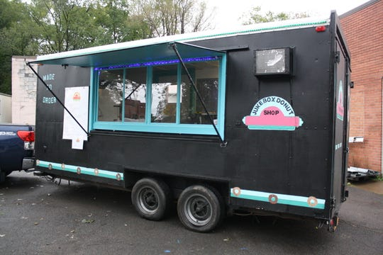 The JukeBox Donut Shop is a mobile food truck that serves up doughnuts at local festivals, events and private functions.
