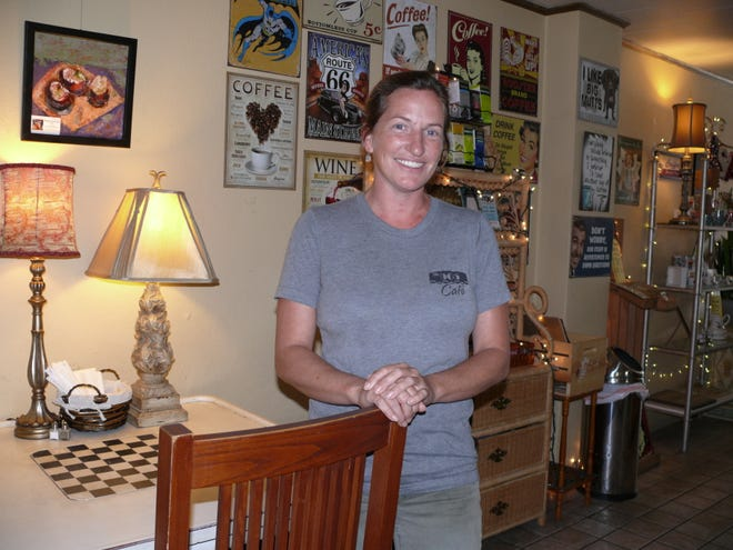 Heather Tyner has turned her 905 Cafe in downtown Melbourne into a welcoming, eclectic eatery.