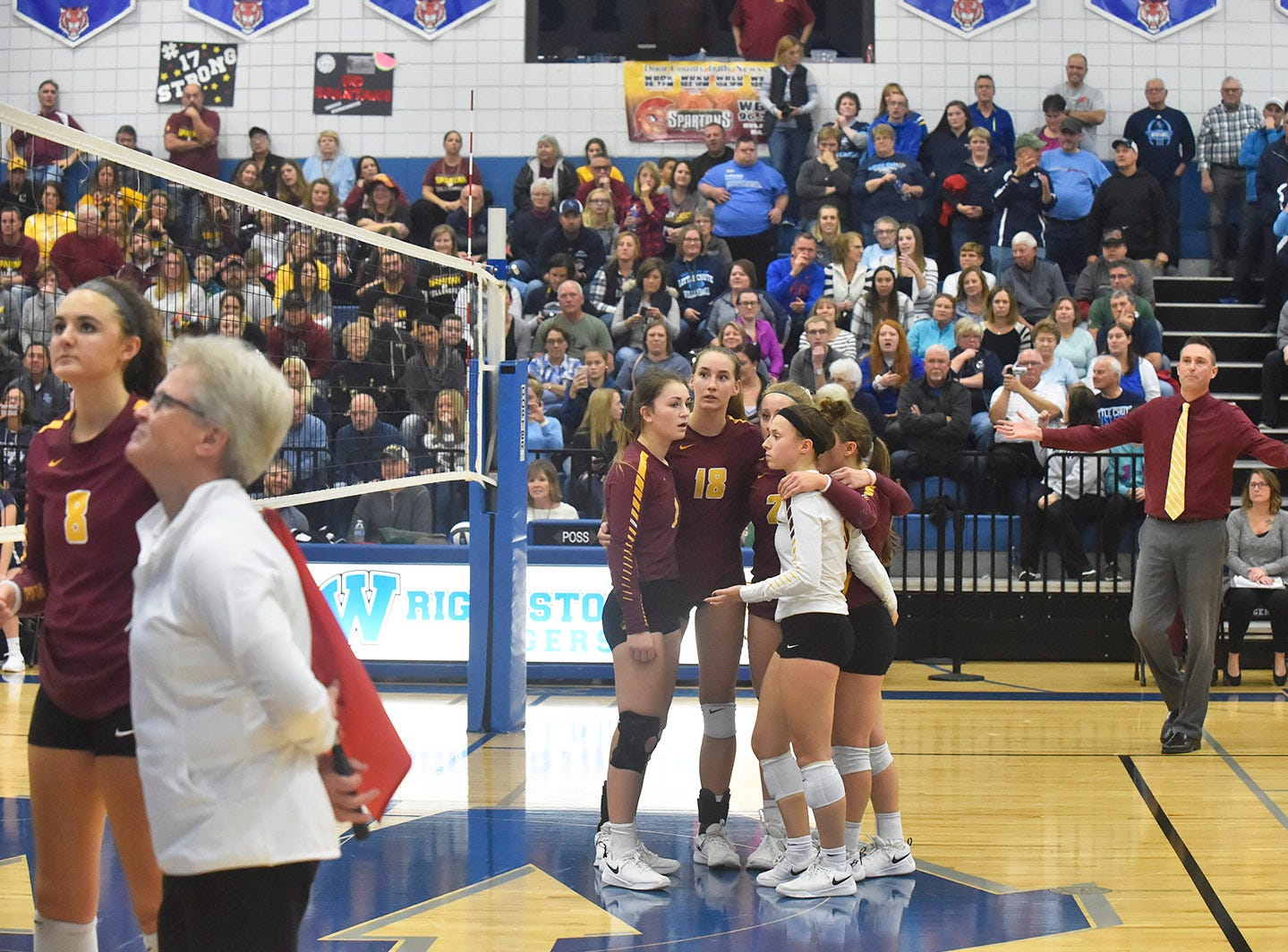Overturning a call in favor of Luxemburg-Casco at the WIAA Division 2 sectional final against Little Chute on Oct. 27, 2018, in Wrightstown. Tina M. Gohr/USA TODAY NETWORK-Wisconsin