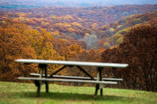Indiana State Parks is enticing Hoosiers to enjoy the outdoors on Black Friday.  Jenna Watson/IndyStar Peak autumn foliage is seen in Brown County State Park, Nashville, Ind., Monday, Nov. 6, 2017.