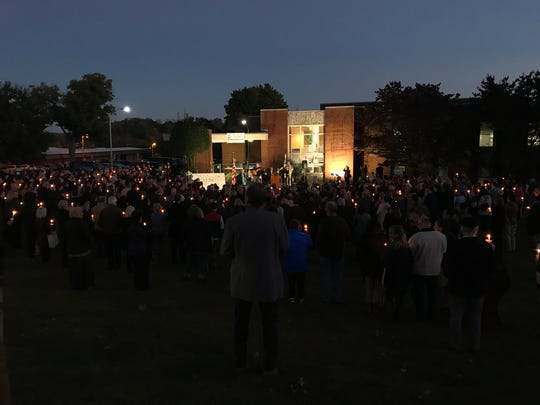 Hundreds gathered at Arnstein Jewish Community Center Monday night for a candlelight vigil to honor lives lost at the shooting Saturday at Tree of Life Synagogue in Pittsburgh, and to support Knoxville's Jewish Community.