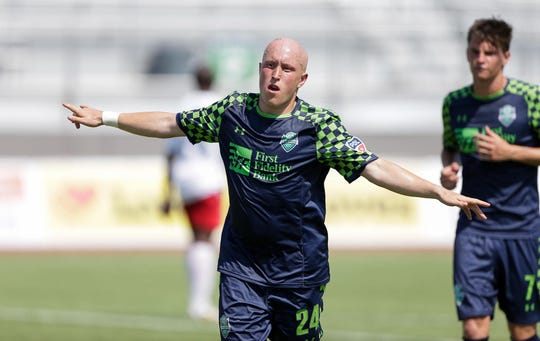 Louis Bennett signed with Memphis 901 FC on Oct. 30, 2018.