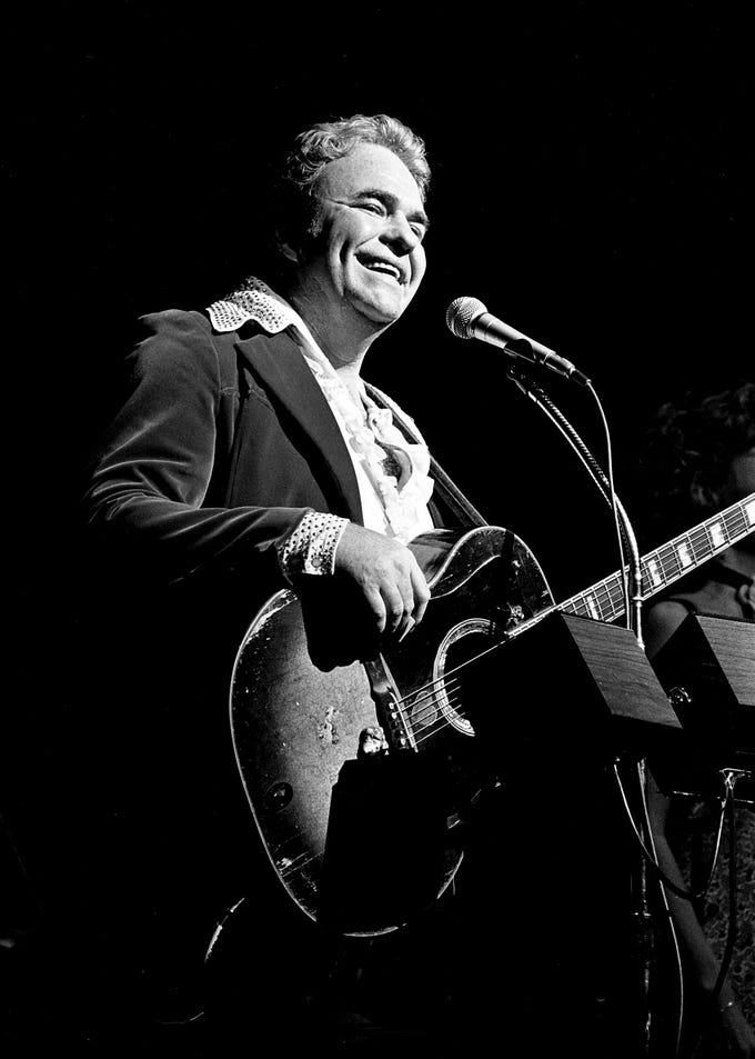 Singer-songwriter Hoyt Axton is all smiles as he opens his Halloween concert at the Grand Ole Opry House on Oct. 31, 1978.
