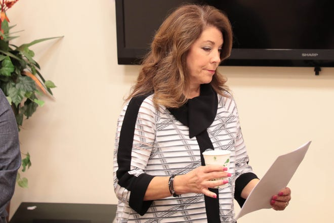 Linda Evans speaks at La Quinta City Hall on Tuesday, October 30, 2018.