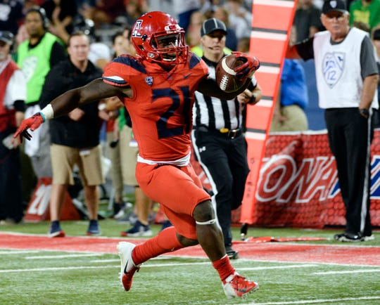 Arizona Wildcats running back J.J. Taylor (21) shined in his team's win over the Oregon Ducks.