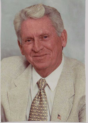 """Former Goodyear Mayor William """"Bill"""" Arnold has died of cancer at 80 years old."""