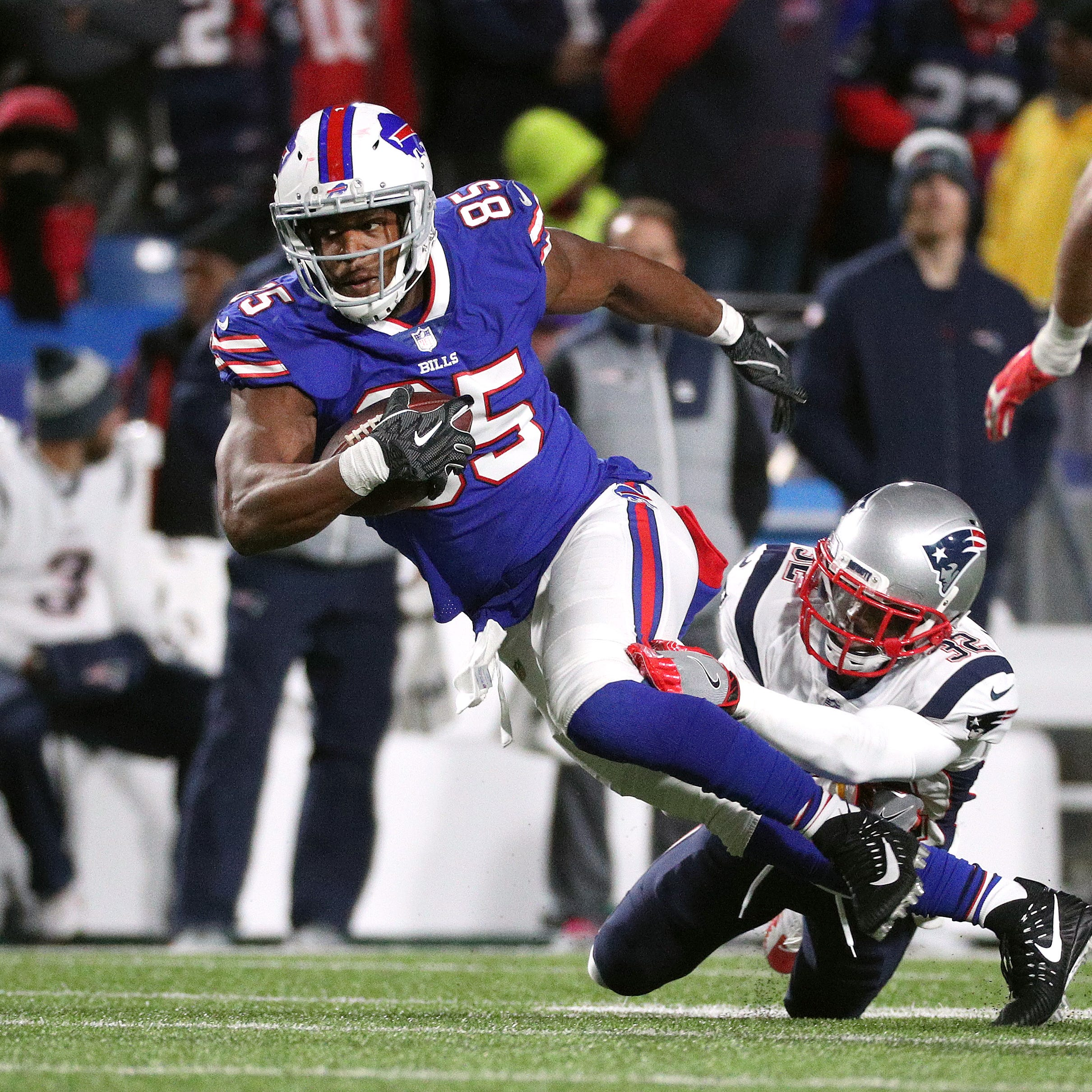 After a terrible season, what should the Buffalo Bills do with tight end Charles Clay?