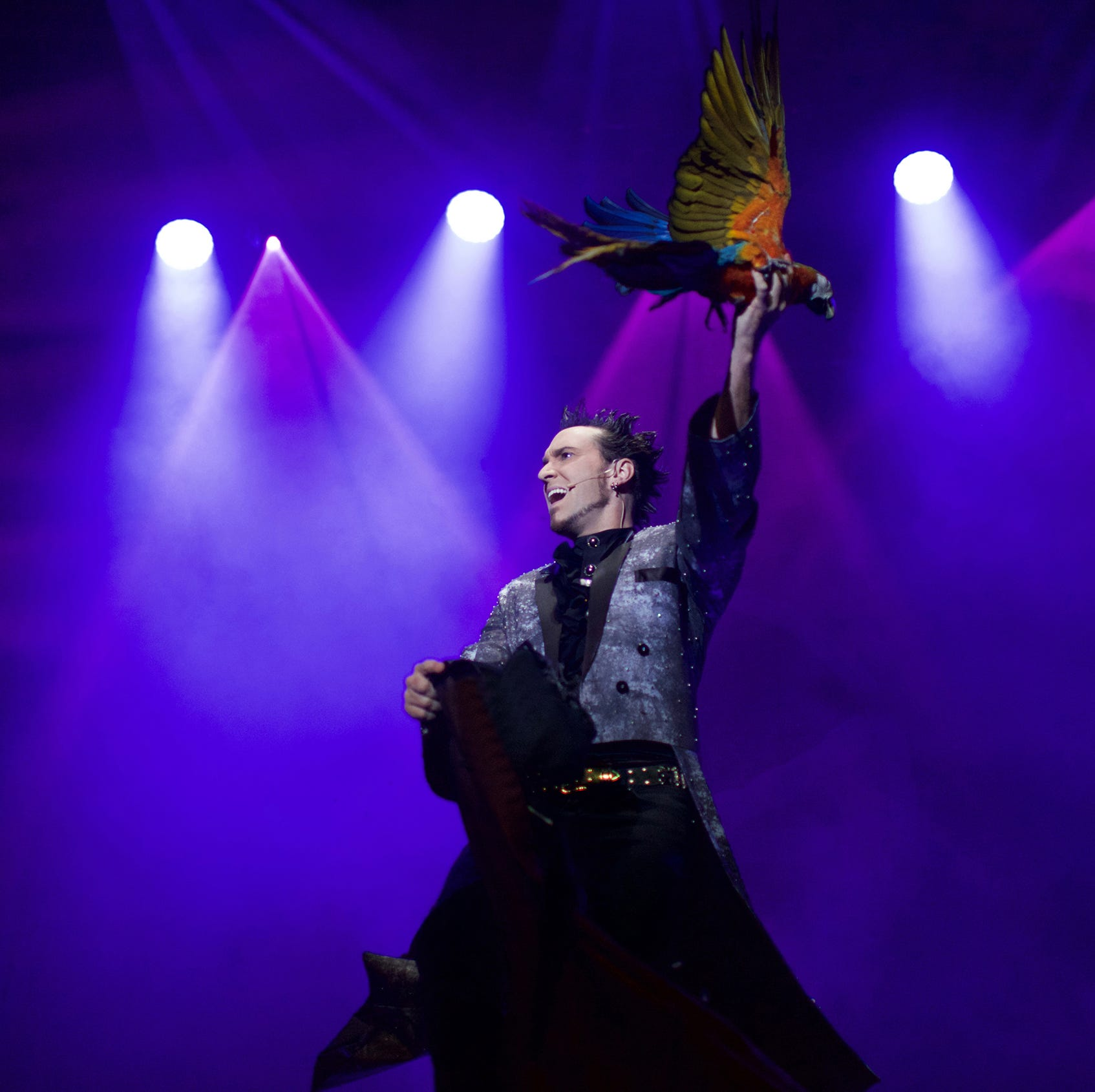 Sheboygan Weill Center brings magician David DaVinci, 'Thrillusionist,' Nov. 8