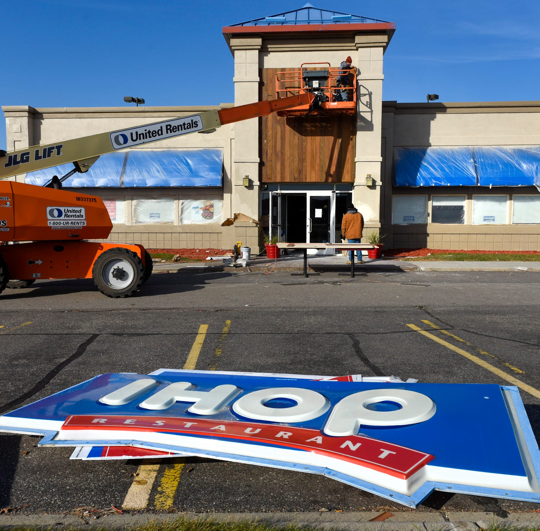 Don't flip out: Waite Park's IHOP is closed, but not for long