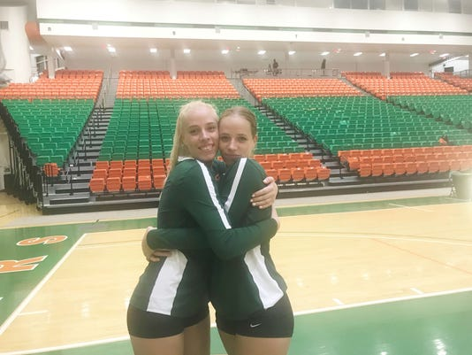Volleyball Twins 3