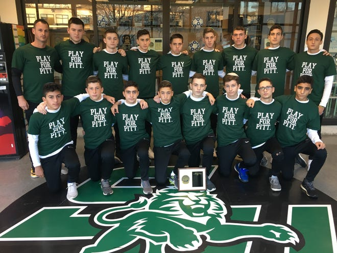 The boys soccer team from Solomon Schechter showed support for the victims killed Saturday inside the Tree of Life Congregation Synagogue in Pittsburgh before leaving for a NYSPHSAA tournament game on Long Island.