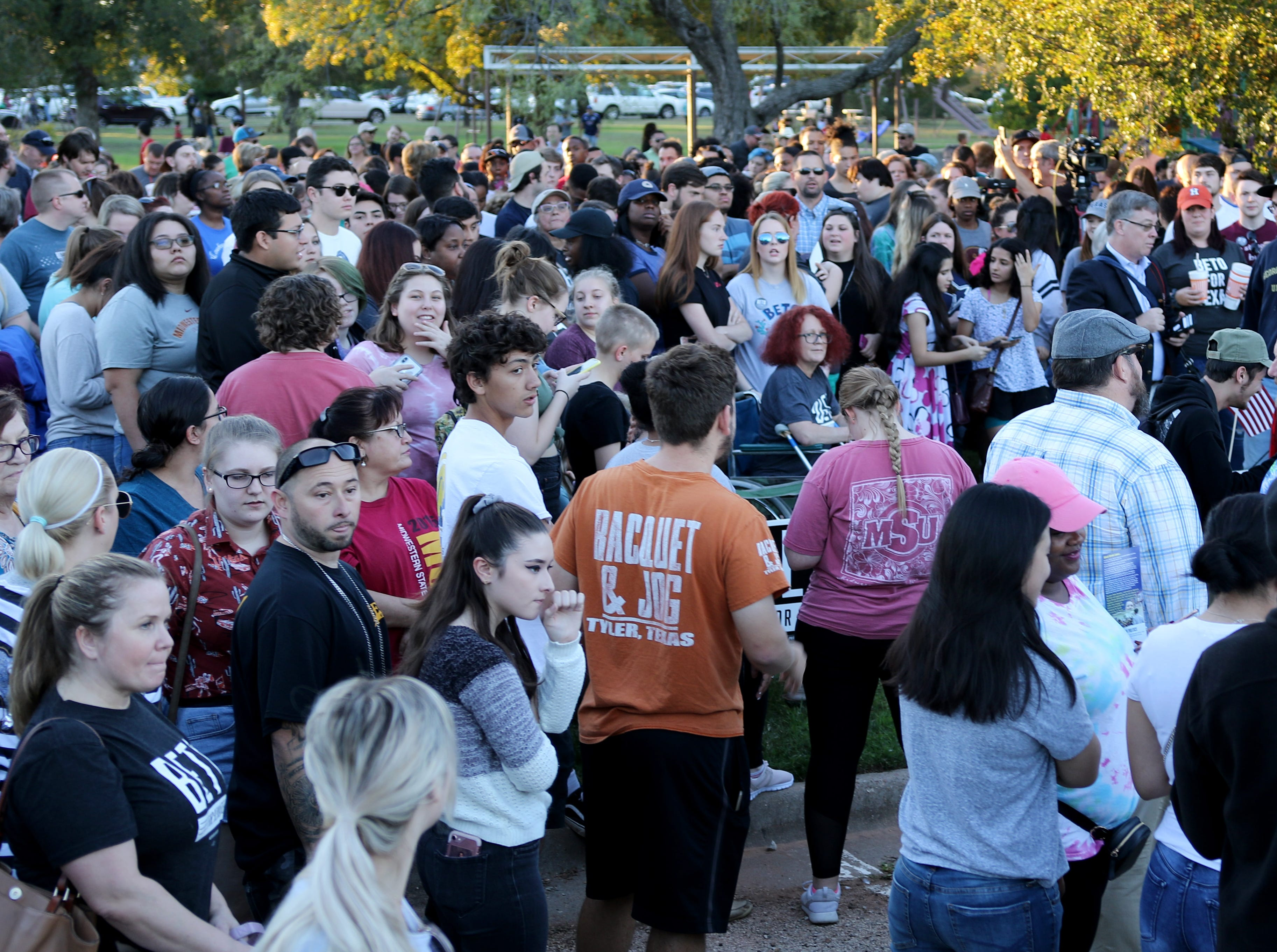About 400 people wait for Rep. Beto O'Rourke to arrive Monday, Oct. 29, 2018, at Kiwanis Park in Wichita Falls.