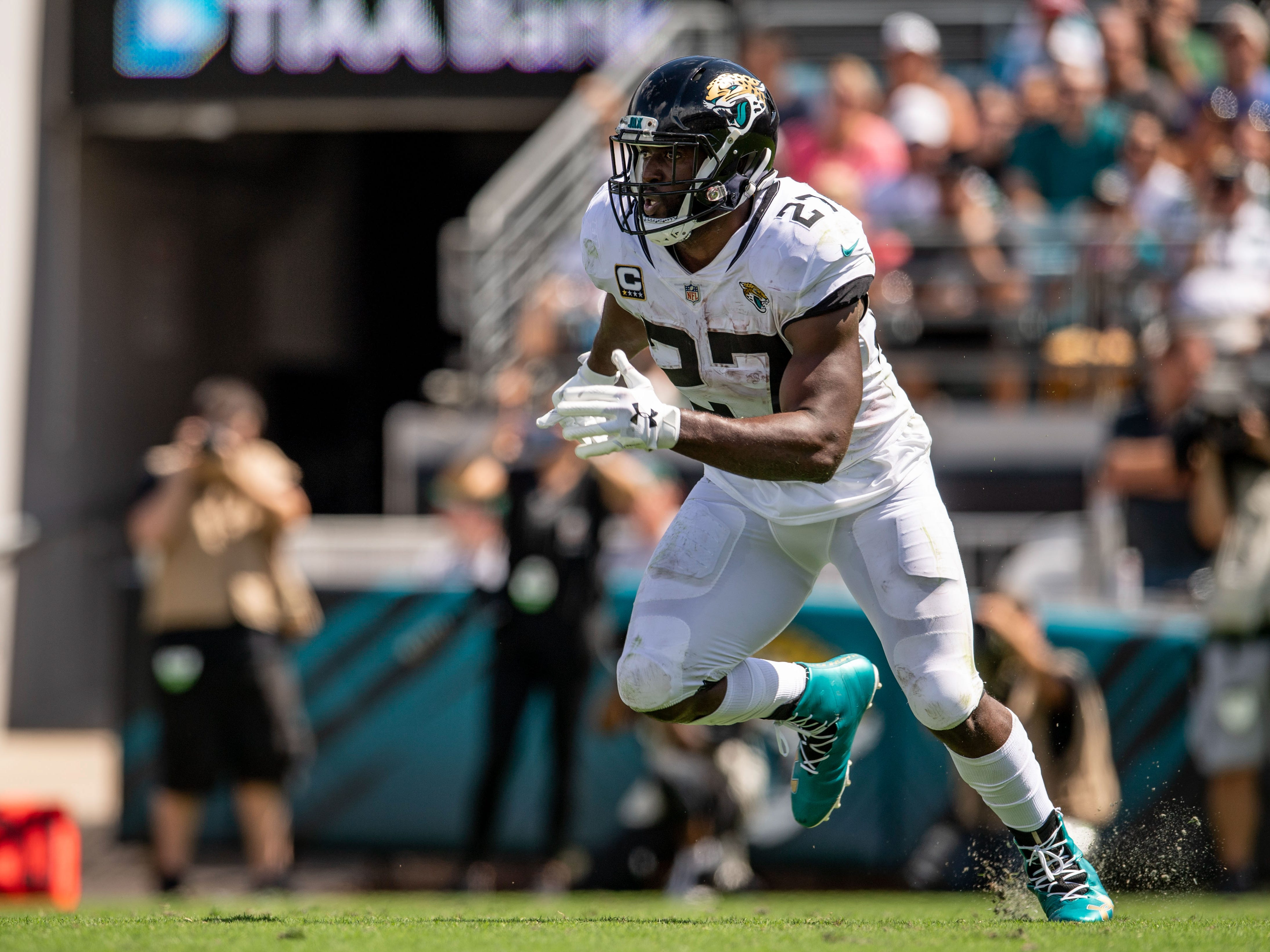 22. Jaguars (24): Treat — star RB Leonard Fournette may be back following Week 9 bye, perhaps firing up a team that's little more than a dumpster fire now.
