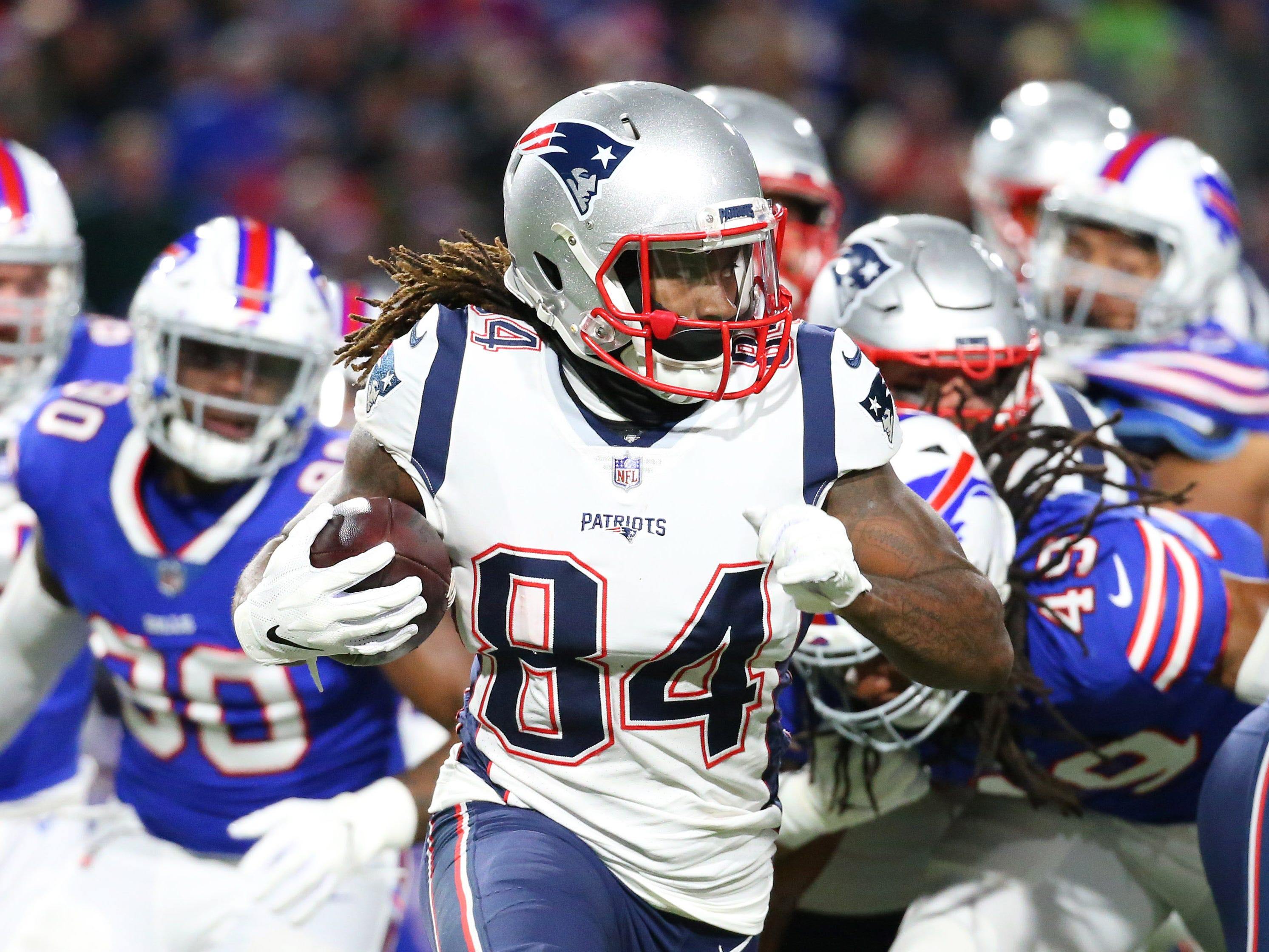 3. Patriots (3): Trick — RB position decimated? All good. They'll give bulk of carries to Cordarrelle Patterson and Julian Edelman while TB12 paces them in ypc (8.0) amid #TB1K pursuit.
